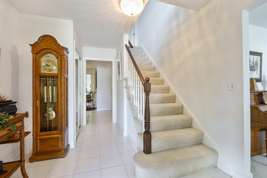 Real Estate Photography - 250 Wyngate, Barrington, IL, 60010 - Foyer