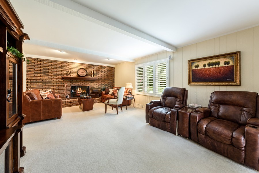 Real Estate Photography - 250 Wyngate, Barrington, IL, 60010 - Family Room