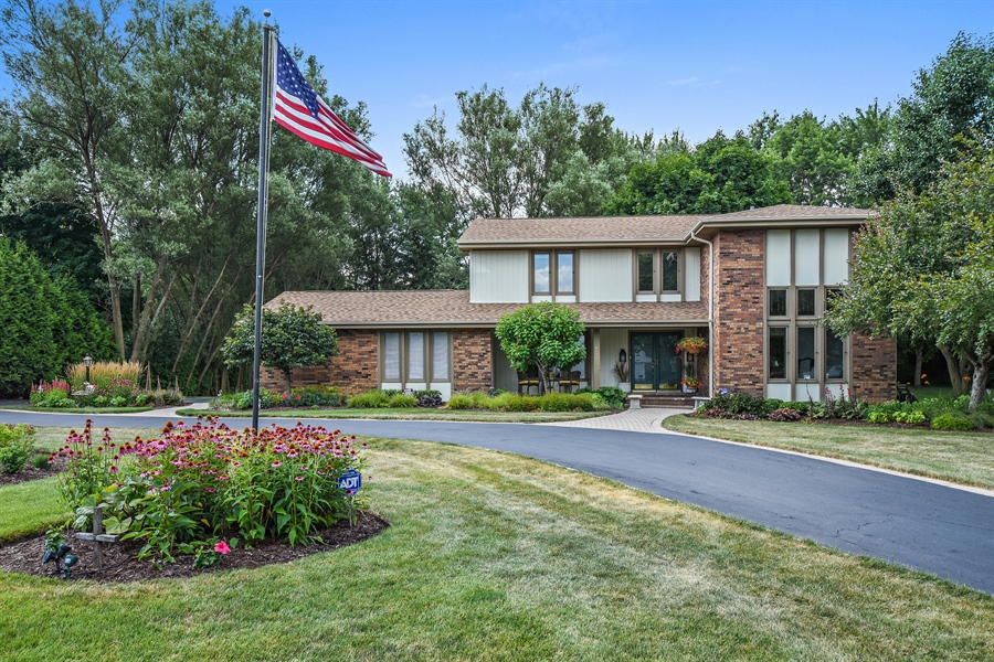Real Estate Photography - 250 Wyngate, Barrington, IL, 60010 - Front View