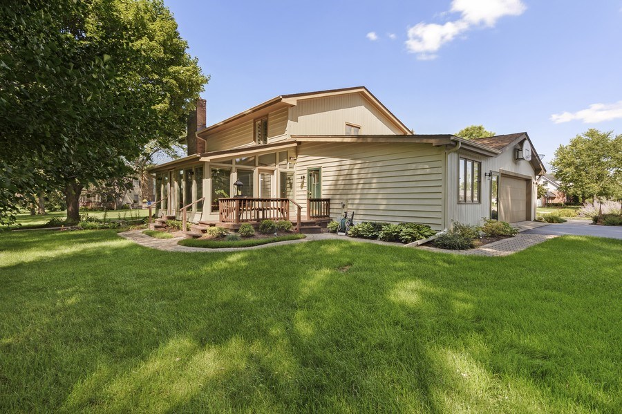Real Estate Photography - 250 Wyngate, Barrington, IL, 60010 - Rear View