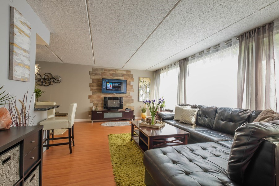 Real Estate Photography - 2024 Saint Johns Ave, 302, Highland Park, IL, 60035 - Living Room