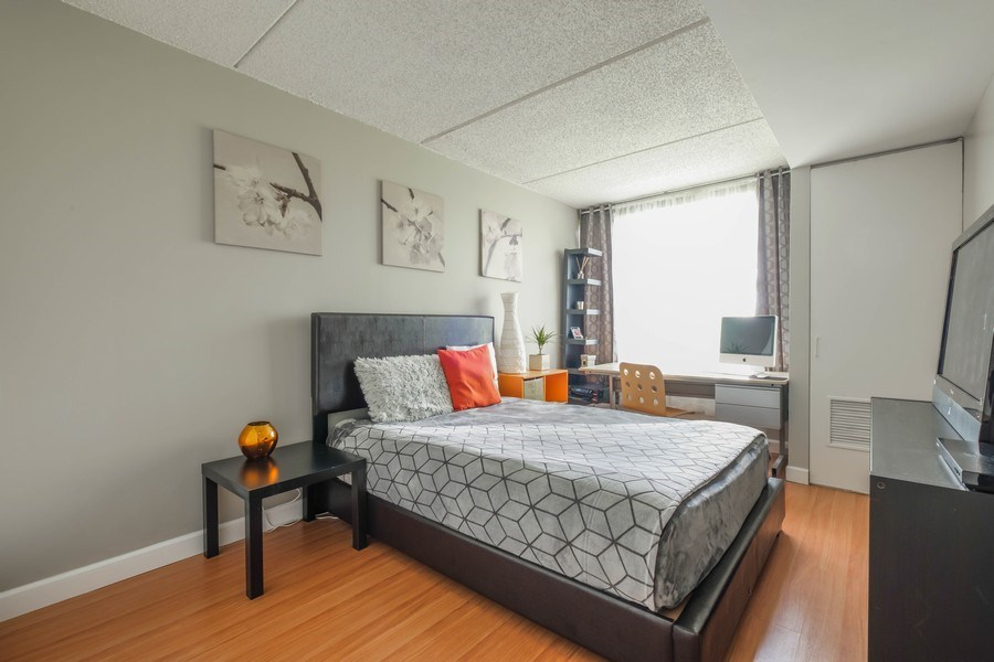 Real Estate Photography - 2024 Saint Johns Ave, 302, Highland Park, IL, 60035 - 2nd Bedroom