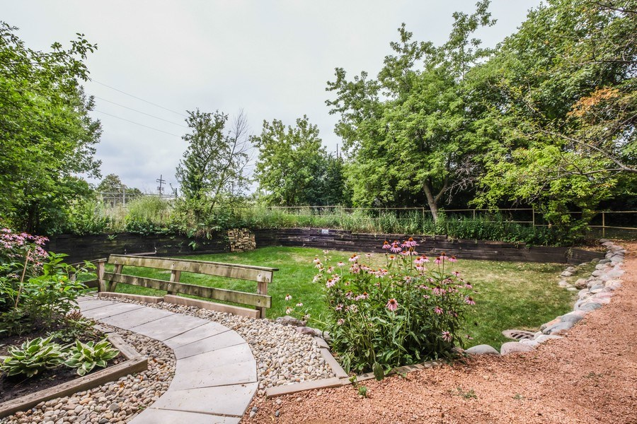 Real Estate Photography - 2024 Saint Johns Ave, 302, Highland Park, IL, 60035 - Side View