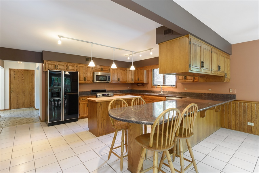 Real Estate Photography - 3420 Richnee Lane, Rolling Meadows, IL, 60008 - Kitchen