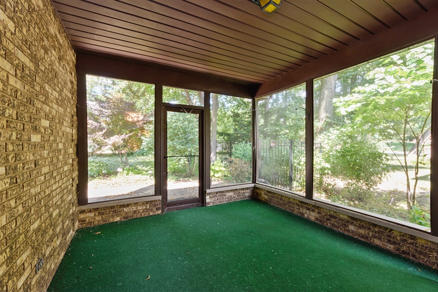 Real Estate Photography - 3420 Richnee Lane, Rolling Meadows, IL, 60008 - Sun Room