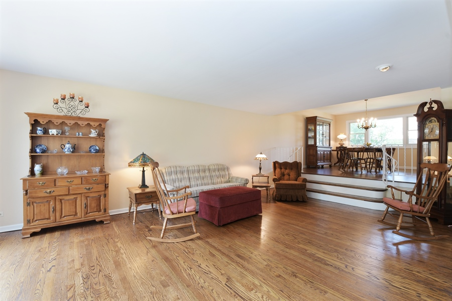 Real Estate Photography - 1680 Portage Pass, Deerfield, IL, 60015 - Living Room