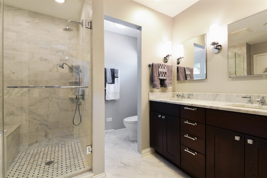Real Estate Photography - 1680 Portage Pass, Deerfield, IL, 60015 - Master Bathroom