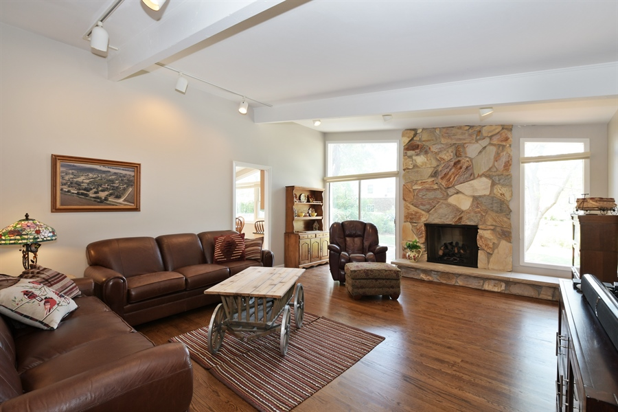 Real Estate Photography - 1680 Portage Pass, Deerfield, IL, 60015 - Family Room