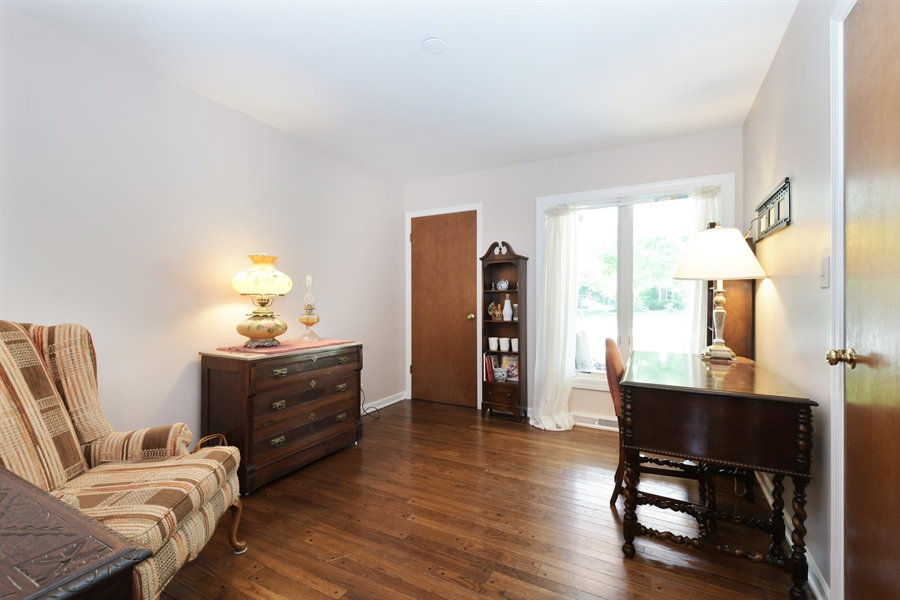 Real Estate Photography - 1680 Portage Pass, Deerfield, IL, 60015 - Office