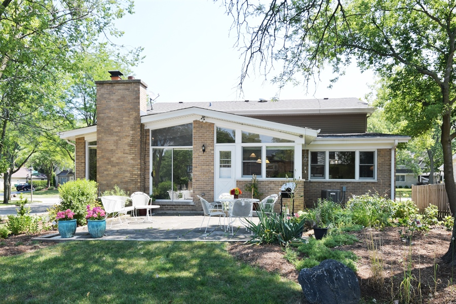 Real Estate Photography - 1680 Portage Pass, Deerfield, IL, 60015 - Rear View