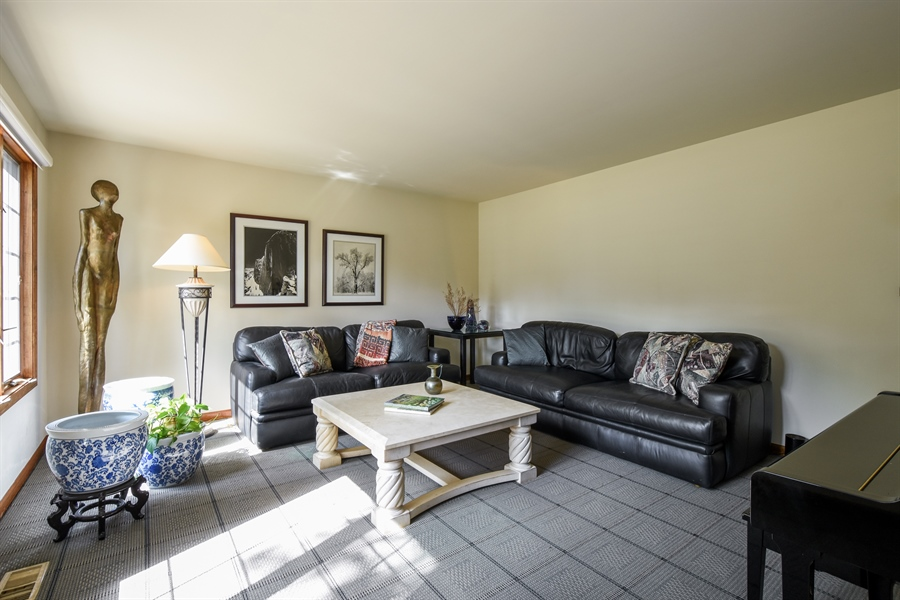 Real Estate Photography - 2538 Shenandoah Lane, Long Grove, IL, 60047 - Living Room