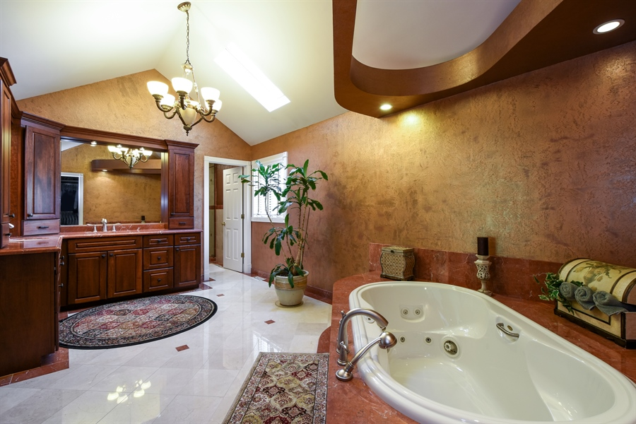 Real Estate Photography - 2538 Shenandoah Lane, Long Grove, IL, 60047 - Master Bathroom