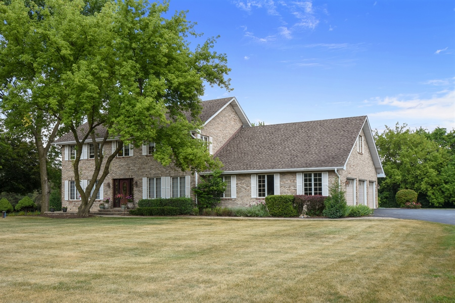 Real Estate Photography - 2538 Shenandoah Lane, Long Grove, IL, 60047 - Front View