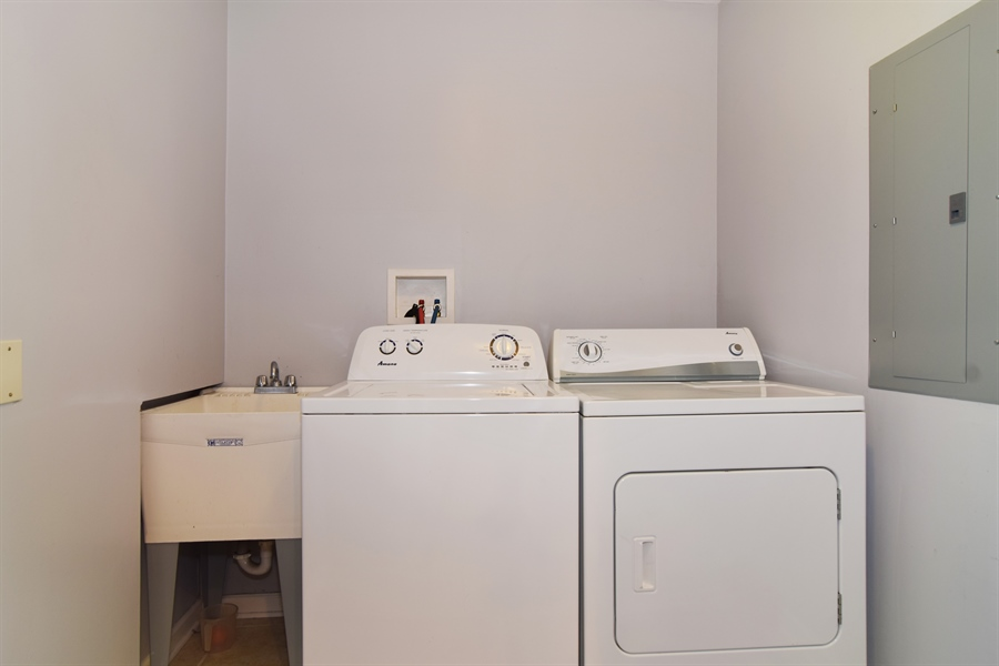 Real Estate Photography - 441 Walnut Ln, Elk Grove Village, IL, 60007 - Laundry Room