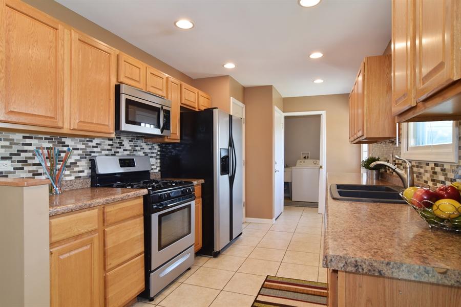 Real Estate Photography - 441 Walnut Ln, Elk Grove Village, IL, 60007 - Kitchen