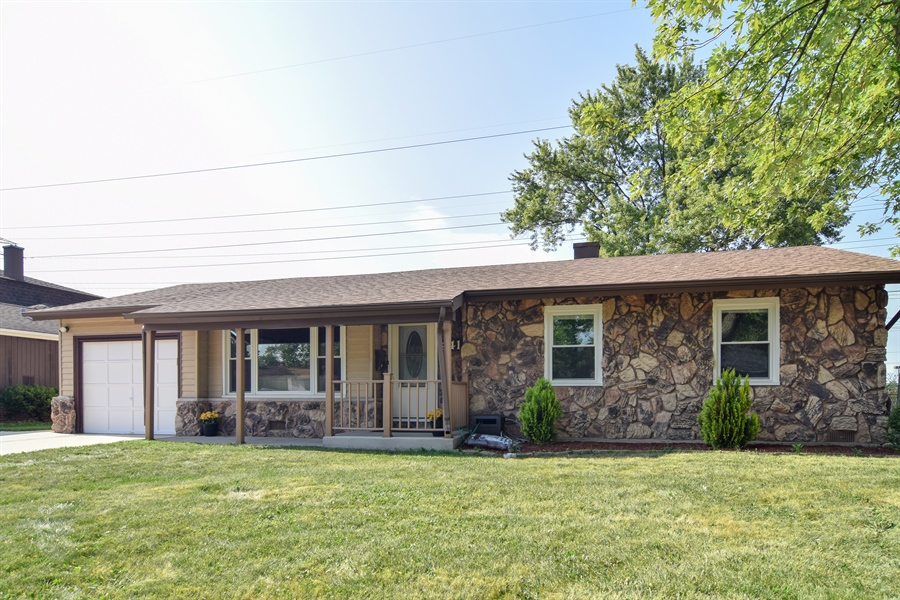 Real Estate Photography - 441 Walnut Ln, Elk Grove Village, IL, 60007 - Front View