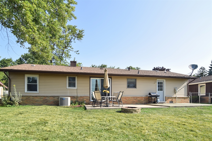 Real Estate Photography - 441 Walnut Ln, Elk Grove Village, IL, 60007 - Rear View