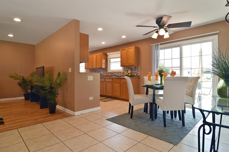 Real Estate Photography - 441 Walnut Ln, Elk Grove Village, IL, 60007 - Kitchen / Dining Room