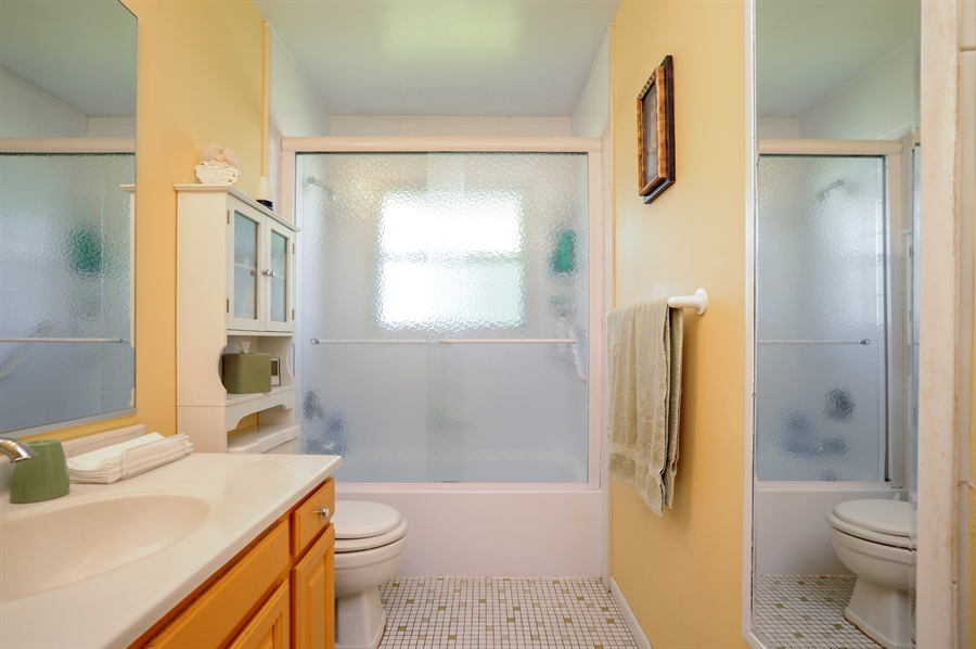 Real Estate Photography - 505 Mohican Trl, Lake in the Hills, IL, 60156 - Bathroom