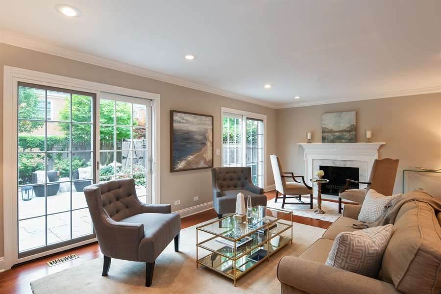 Real Estate Photography - 905 Westerfield Drive, Wilmette, IL, 60091 - Living Room