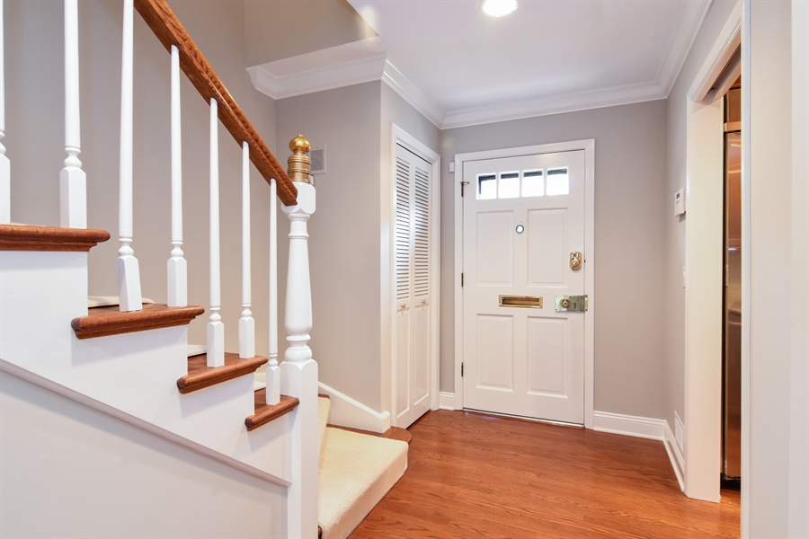 Real Estate Photography - 905 Westerfield Drive, Wilmette, IL, 60091 - Foyer