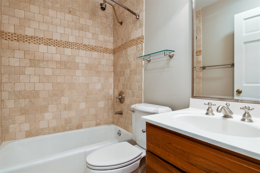 Real Estate Photography - 905 Westerfield Drive, Wilmette, IL, 60091 - Bathroom