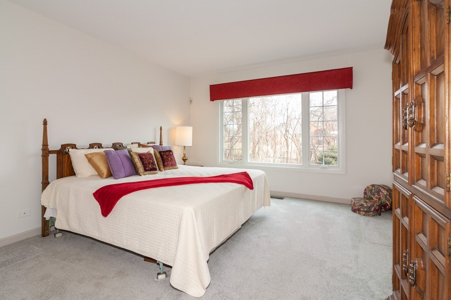 Real Estate Photography - 44 Thornhill Ct, Burr Ridge, IL, 60527 - Master Bedroom