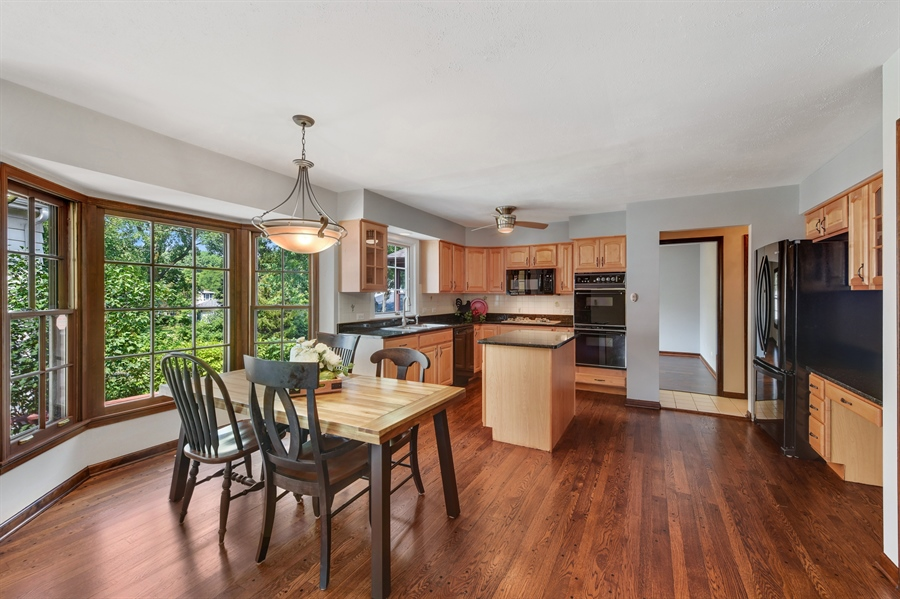 Real Estate Photography - 1212 Barneswood, Downers Grove, IL, 60515 - Kitchen / Breakfast Room