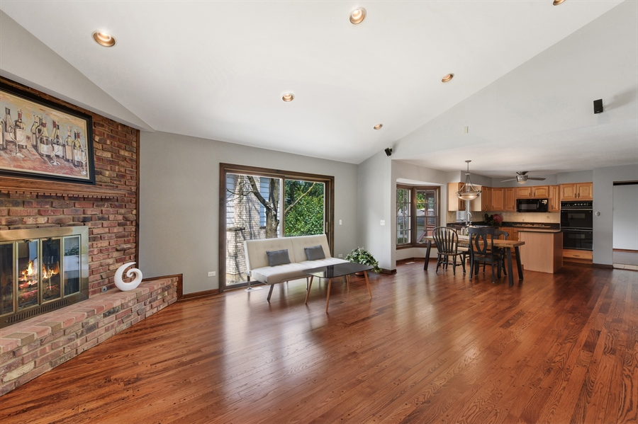 Real Estate Photography - 1212 Barneswood, Downers Grove, IL, 60515 - Great Room
