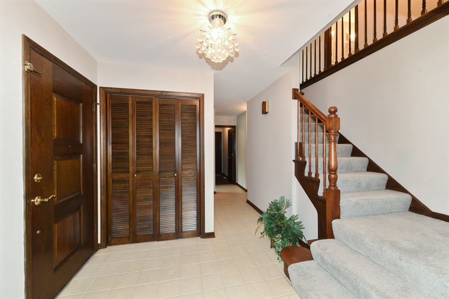 Real Estate Photography - 1212 Barneswood, Downers Grove, IL, 60515 - Foyer