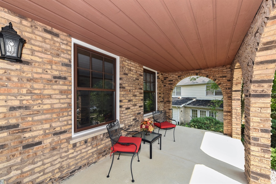 Real Estate Photography - 1212 Barneswood, Downers Grove, IL, 60515 - Porch