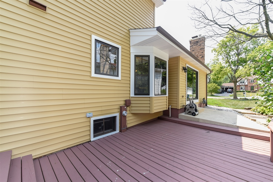Real Estate Photography - 1212 Barneswood, Downers Grove, IL, 60515 - Deck