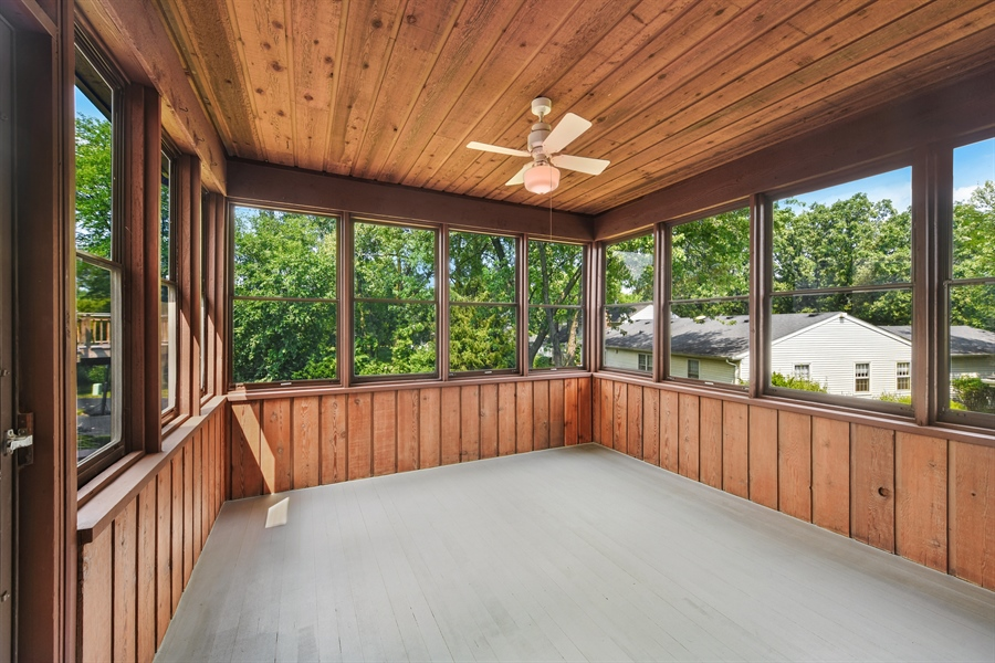 Real Estate Photography - 1212 Barneswood, Downers Grove, IL, 60515 - Sun Room