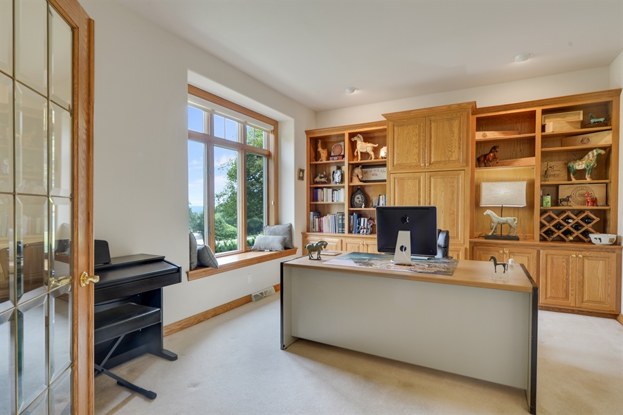 Real Estate Photography - n17w30595 woodland hill drive, delafield, WI, 53018 - Office