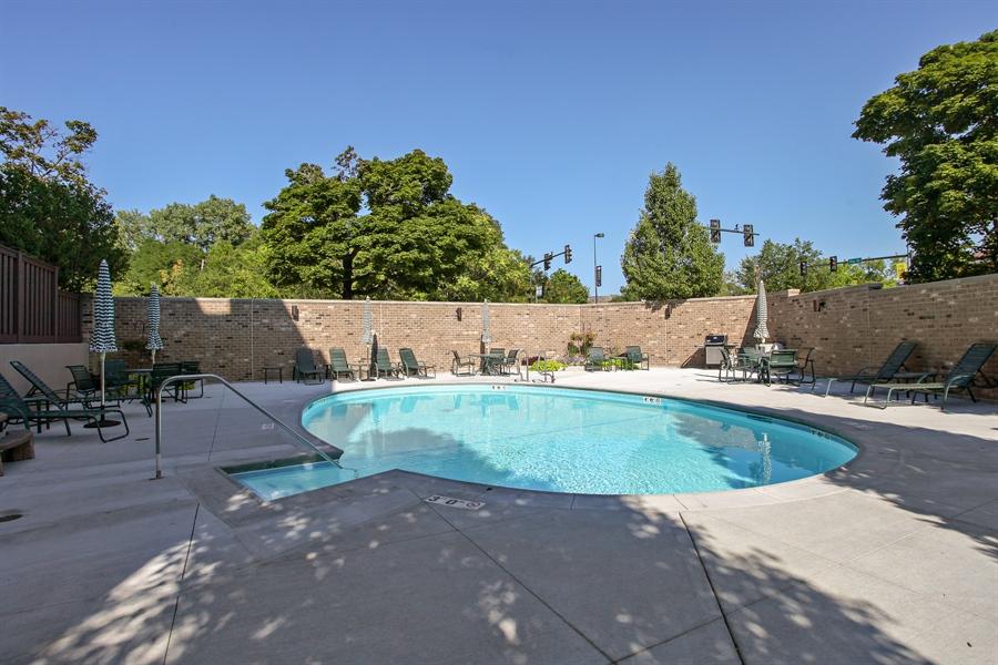 Real Estate Photography - 630 Winnetka Mews, Winnetka, IL, 60093 - Pool