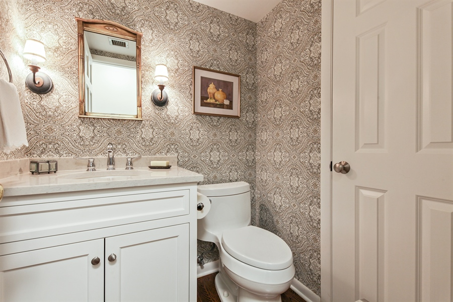 Real Estate Photography - 630 Winnetka Mews, Winnetka, IL, 60093 - Half Bath