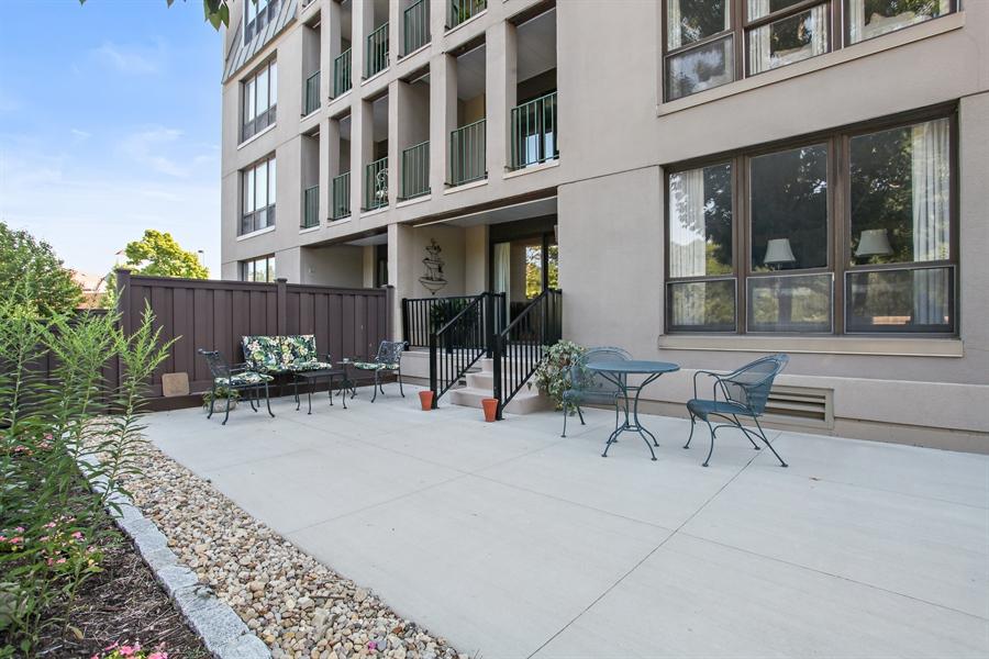 Real Estate Photography - 630 Winnetka Mews, Winnetka, IL, 60093 - Patio