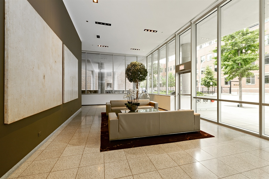 Real Estate Photography - 30 W Oak St, 6F, Chicago, IL, 60610 - Lobby