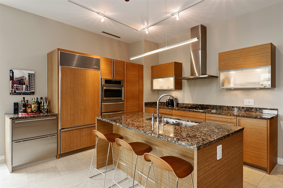 Real Estate Photography - 30 W Oak St, 6F, Chicago, IL, 60610 - Kitchen