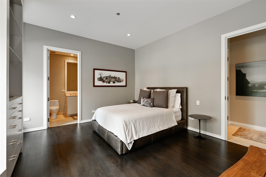 Real Estate Photography - 30 W Oak St, 6F, Chicago, IL, 60610 - Bedroom