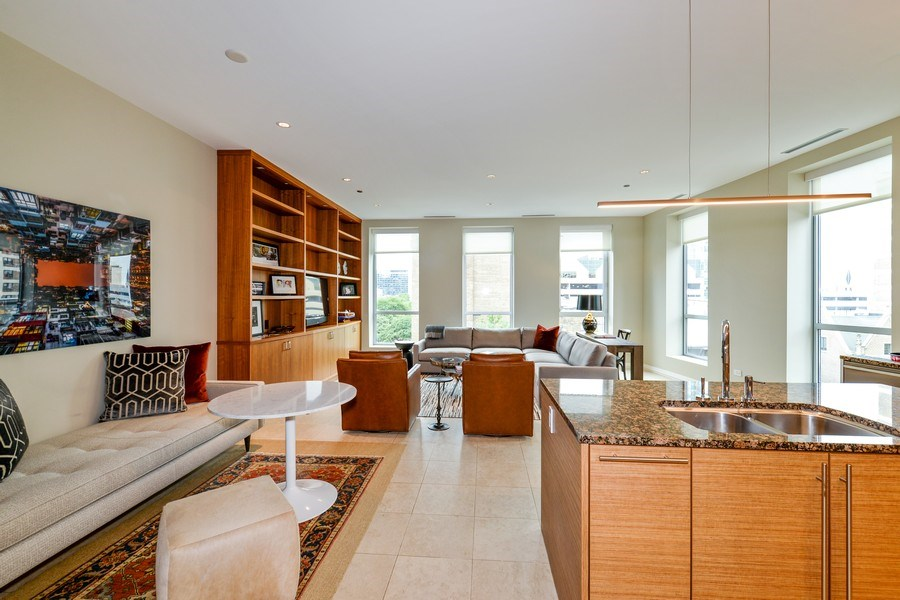 Real Estate Photography - 30 W Oak St, 6F, Chicago, IL, 60610 - Great room