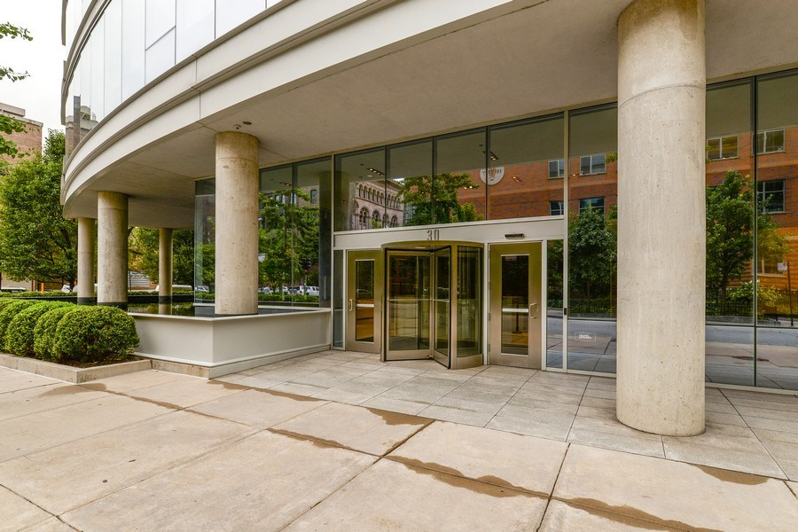 Real Estate Photography - 30 W Oak St, 6F, Chicago, IL, 60610 - Front View