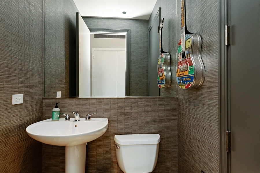 Real Estate Photography - 30 W Oak St, 6F, Chicago, IL, 60610 - 2nd Bathroom
