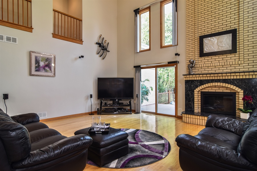 Real Estate Photography - 4N234 Central Ave, Addison, IL, 60101 - Family Room
