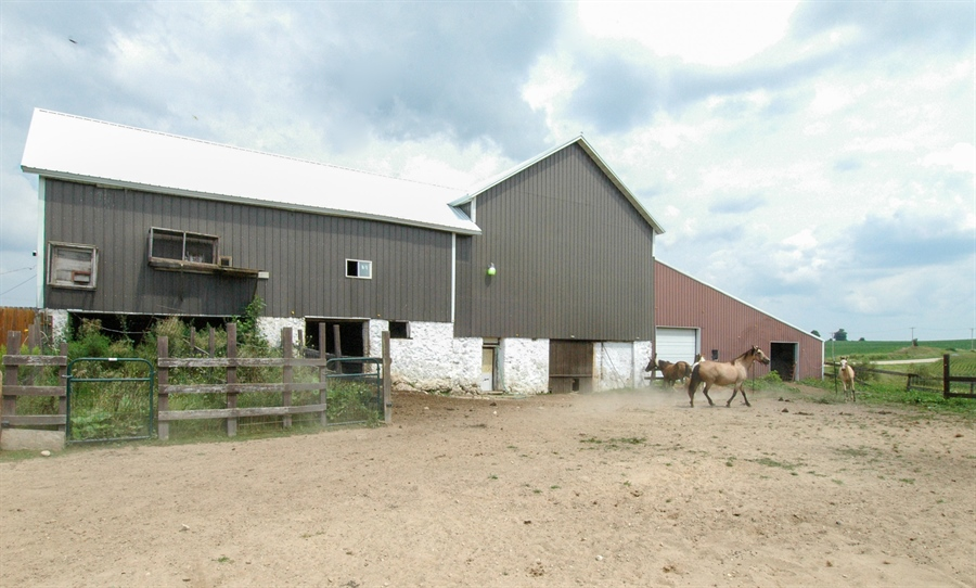 Real Estate Photography - W3839 State Road 33, Horicon, WI, 53032 - Location 1
