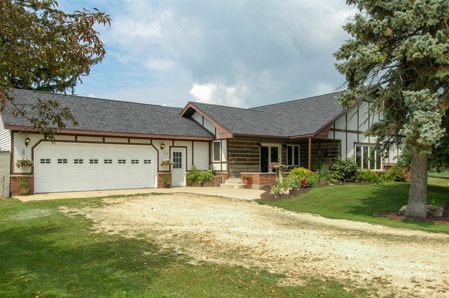 Real Estate Photography - W3839 State Road 33, Horicon, WI, 53032 - Front View
