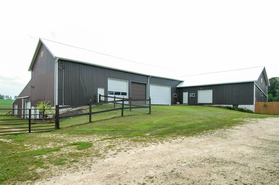 Real Estate Photography - W3839 State Road 33, Horicon, WI, 53032 - Barn