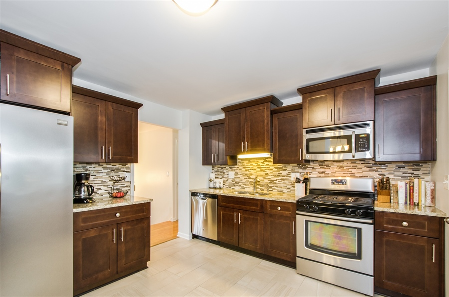 Real Estate Photography - 1419 Cypress Dr, Mount Prospect, IL, 60056 - Kitchen