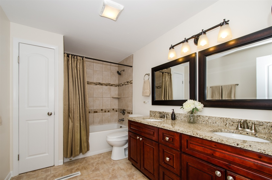 Real Estate Photography - 1419 Cypress Dr, Mount Prospect, IL, 60056 - Bathroom
