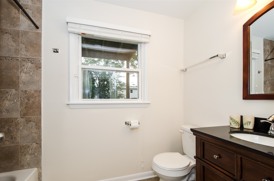 Real Estate Photography - 1419 Cypress Dr, Mount Prospect, IL, 60056 - 2nd Bathroom